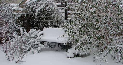 Při zimování zahrady nezapomeňte na nábytek